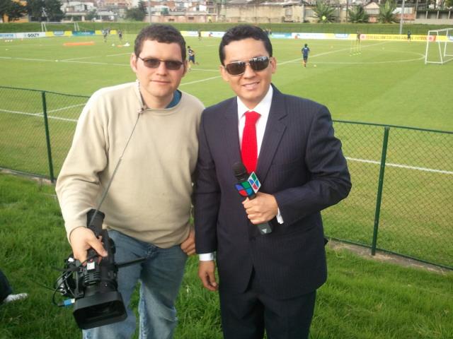 Gilberto Rivera y Rigoberto Osorio, grabando con la selección Colombia